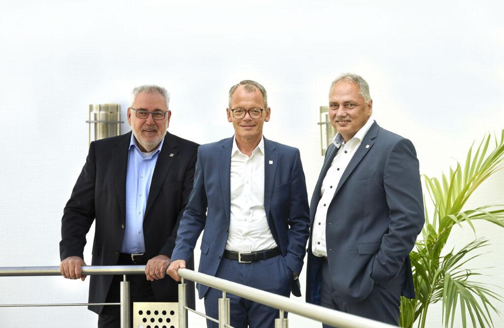 Unternehmensgründer Klaus Kern, Vorstandsvorsitzender Bernhard Sommer und Vorstand Frank Krämer